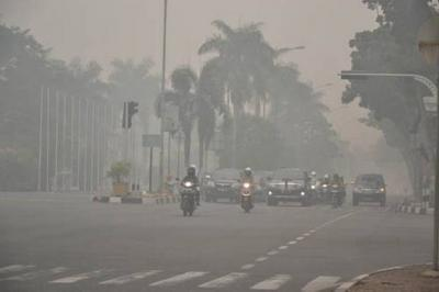 Kabut Asap di Palembang Masuk Kategori 'Berbahaya', Sekolah Diliburkan