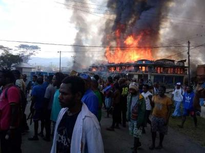 Petugas Berhasil Pukul Mundur Massa Demo ke Pinggir Kota Wamena