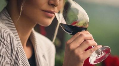 Selain Diabetes, Hobi Minum Alkohol Bisa Bikin Wajah Keriput