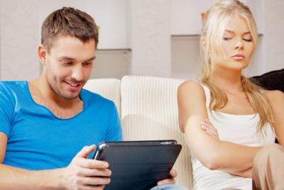8 Tanda si Dia Enggak Serius Jalin Hubungan Asmara, Mending Tinggalin Aja