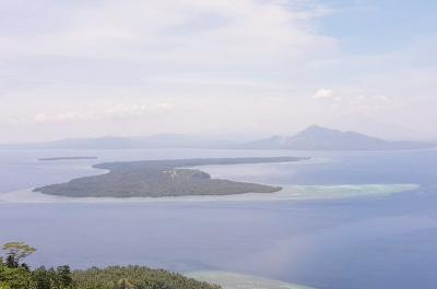 Yuk Mendaki Pulau Manado Tua, Nikmati Cantiknya Bunaken dari Ketinggian