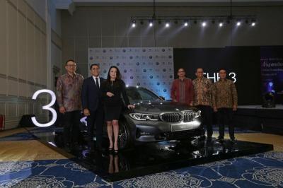 BMW Lengkapi Jajaran Seri 3, Banderol di bawah Rp1 Miliar