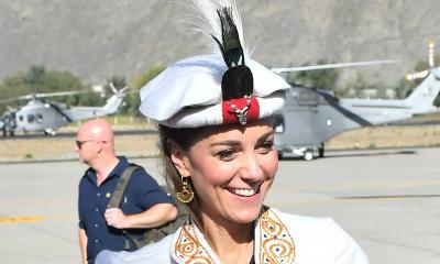 Pakai Baju dan Topi Tradisional Pakistan, Gaya Kate Middleton Nyontek Putri Diana?