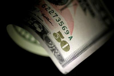 Dolar Melemah Imbas Data Penjualan Ritel AS Lesu