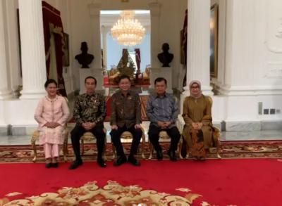 Duduk Dikawal Jokowi-JK, Menteri Jonan: Amigos Para Siempre