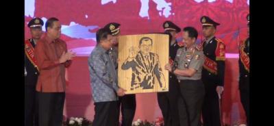 Kapolri: JK Bukan Jenderal, tapi Lebih Tegas dari Polisi-TNI
