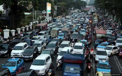 Suhu Udara Jakarta Capai 37 Derajat, Perhatikan Temperatur Mobil saat Mengemudi