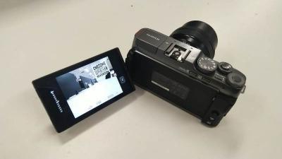 Jajal Fujifilm X-A7, Kamera Mirrorless dengan LCD Putar