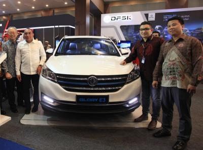 Perdana DFSK Pamer Mobil Canggihnya di GIIAS Medan