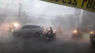 Kenali Risiko Terjadinya Kecelakaan pada Pengendara Motor saat Hujan