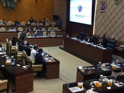 DPR: Masalah Garuda dan Sriwijaya Jangan Berlarut-larut