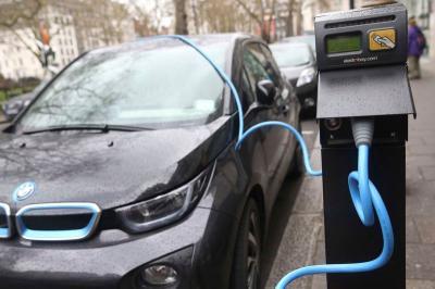 Prediksi BMW Gelombang Besar Mobil Listrik Dimulai Tahun Depan