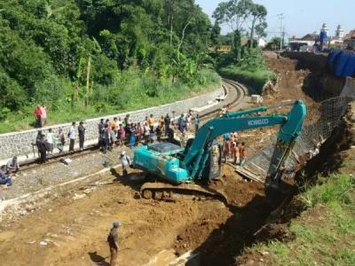 2 Pekerja Tewas, Proyek Rel Ganda Bogor-Sukabumi Dihentikan Sementara