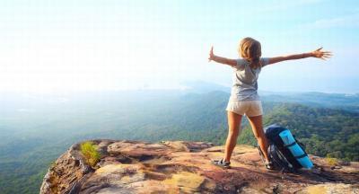 Pemegang Rekor Traveler Termuda Ungkap 5 Tips Keliling Dunia yang Aman