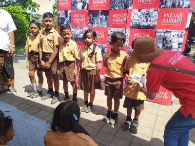 Gandeng Local Hero, CIMB Niaga Tebarkan Inspirasi ke Pelajar di Bali