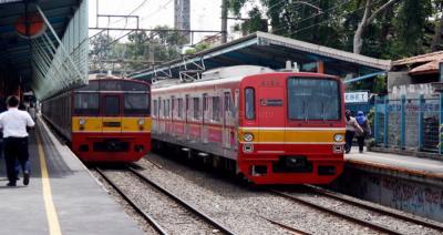 Ada Perbaikan Rel, Kecepatan KRL Menuju Bogor Hanya 10 Km Jam