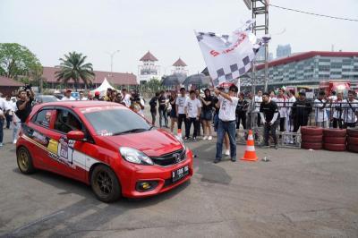Kemayoran Kembali Jadi Trek Adu Kecepatan Bagi Pemilik Mobil Honda