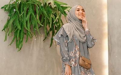 Gaya Hijab Floral ala Citra Kirana yang Bikin Kamu Makin Cantik