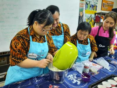 Moms, Ini Lho Kelebihan Anak Down Syndrome Kalau Belajar Baking