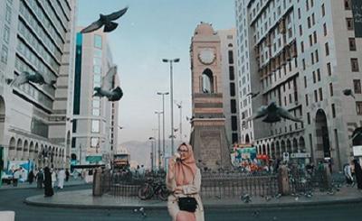 Umrah, Ini Gaya Cantik Angkie Yudistia di Makkah dan Madinah