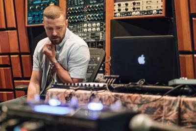 Akui Genggam Tangan Wanita Lain, Justin Timberlake Minta Maaf ke Istri