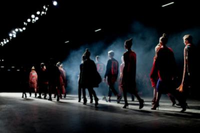 Adu Keren Para Supermodel di British Fashion Awards, Siapa Paling Stunning?