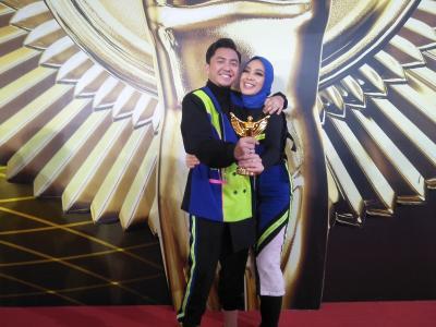 Jadi Host The Voice Indonesia, Omesh Menang Panasonic Gobel Awards 2019