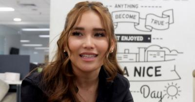 Ibunda Dihujat Netizen, Ayu Ting Ting Ogah Tanggapi Berlebihan