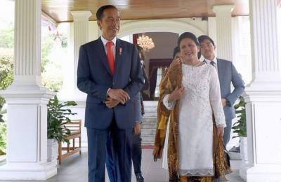 Deretan Artis Cantik yang Rela Dibonceng Presiden Jokowi, Manja Banget!