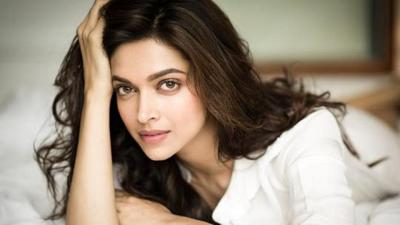 4 Aktris Bollywood Ini Berkulit Eksotis, Pesona Kecantikannya Makin Menyala