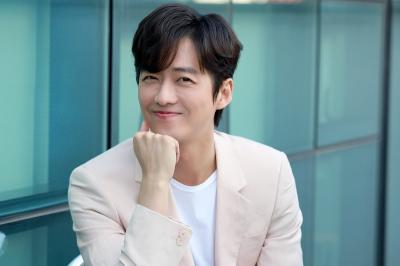 Setia, Nam Goong Min Pilih Perpanjang Kontrak dengan Agensi