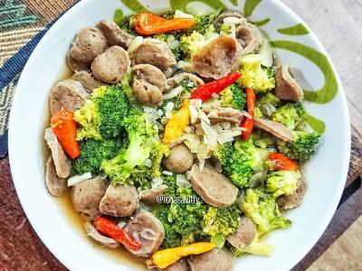 Resep Praktis Tumis Brokoli Bakso dan Oseng Tuna Petai, Makan Siang Makin Lahap!