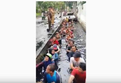 Viral Perpanjang Kontrak Pegawai DKI Masuk Got, PHK2I: Tidak Manusiawi!