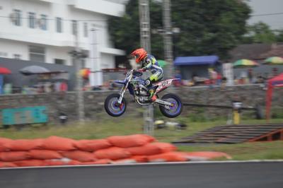 Pembalap Indonesia Saingi Rider Asing di  Trial Game Asphalt Internasional Championship Boyolali