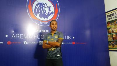 Gabung Arema FC, Pemain Ini Pasang Tato Singa di Lengan