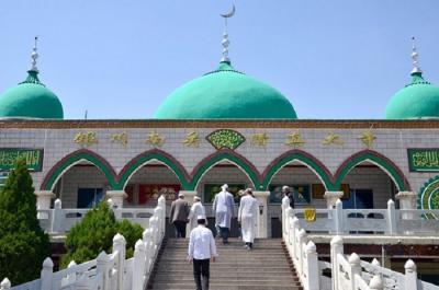 Hendak Berangkat ke Masjid untuk Salat Jumat, Yuk Baca Doa Ini