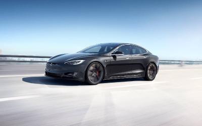 Problem Ngegas Mendadak, 500 Ribu Mobil Listrik Tesla Bisa Kena Recall