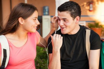 Baru Putus, Ini 3 Alasan Tak Perlu Berteman dengan Mantan Kekasih