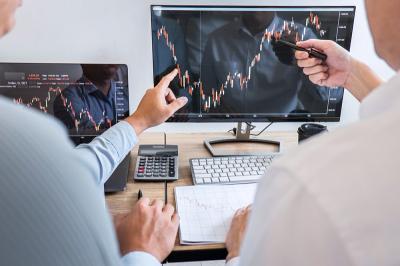 Tips Mencermati Laporan Keuangan Emiten
