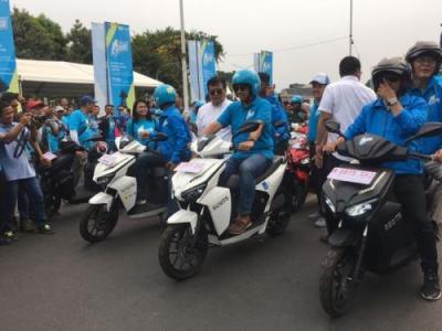 Bebaskan BBN-KB, Anies Harapkan Pengguna Kendaraan Listrik Bertambah