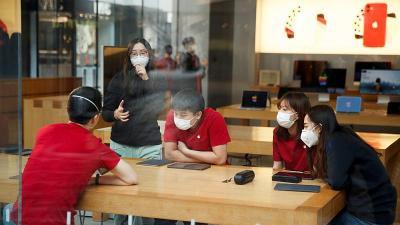 Naikkan Harga Masker, Apotek di China Didenda Rp5,8 Miliar