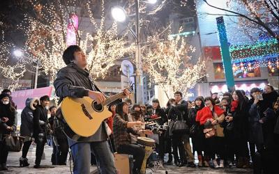 Valentine, Gembok Cinta dan 3 Tempat Paling Romantis di Korea