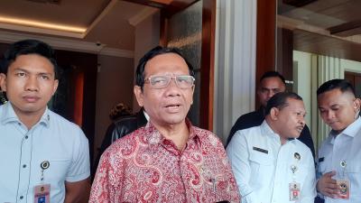 Mahfud MD Tegaskan UU Tidak Bisa Dibatalkan dengan PP