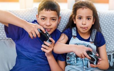 5 Cara Membuat Kakak Adik Selalu Akur di Rumah
