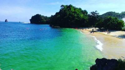 Jadi Tempat Liburan Asyik Aurel Hermansyah, Ini Tips ke Pantai Tiga Warna