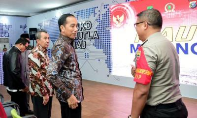 Tiba di Riau, Presiden Jokowi Tinjau Posko Penanganan Karhutla
