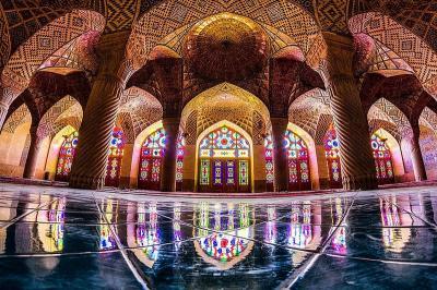 3 Masjid Unik di Iran, Pertama Berjuluk Raja Cahaya