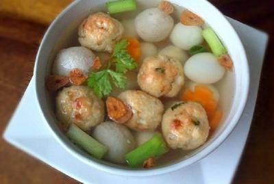 Resep Sup Bakso Goreng untuk Makan Siang Anak Sepulang Sekolah
