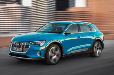 Audi Tunda Produksi Mobil Listrik E-Tron