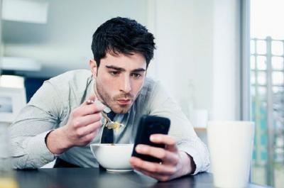 Manfaat dan Pentingnya Detoks Media Sosial Demi Kesehatan Mental